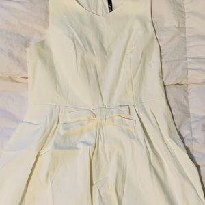 Lulu's Dresses - Simple White Dress with Bow